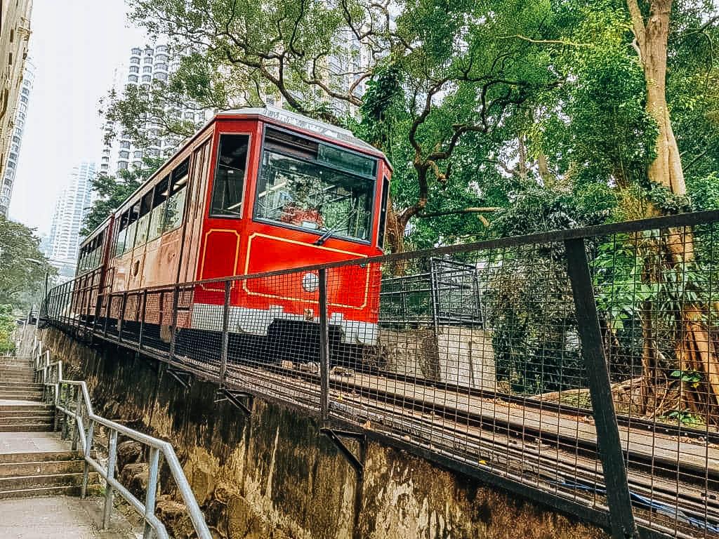 the-peak-tram-down_