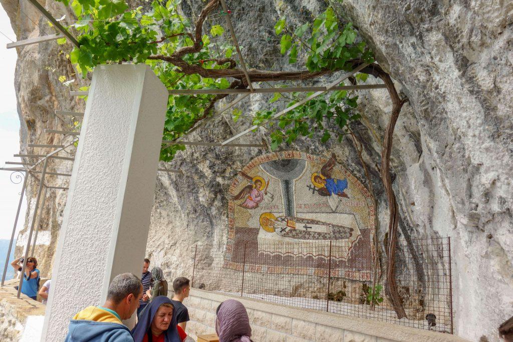 Ostrog Monastir inside
