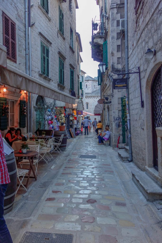 narrow streets of old kotor