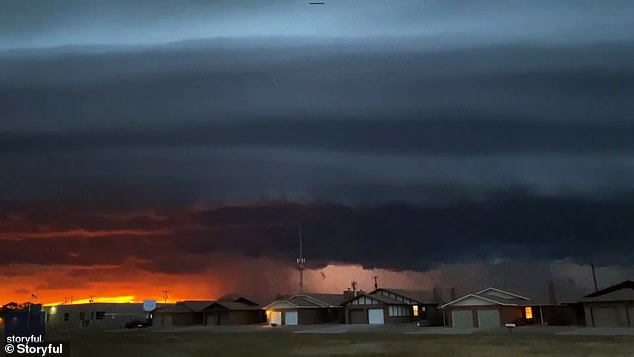 The structure was not a Martian invasion, but a weather phenomenon known as a shelf cloud that forms when cold front storms collide with warm, humid air