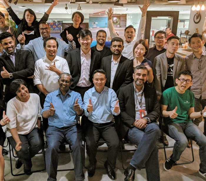 James Tan of Quest Ventures (sitting, 3rd from left) with Renuka Sena (sitting, first from left) and Dr Sivapalan Vivekarajah (2nd from left) in a pic taken in 2018 in Singapore when Tan hosted some Malaysian startups making investor pitches.