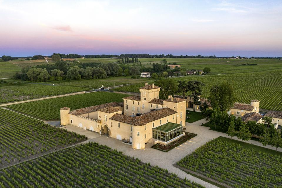 Bird's-eye view of the Lalique Hotel & Restaurant at Château Lafaurie-Peyraguey in Bommes in the Sauternes region