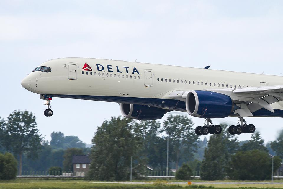 Delta Air Lines Airbus A350 Landing