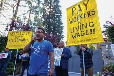 Carlos Ramos campaigning with Gig Worker rising.