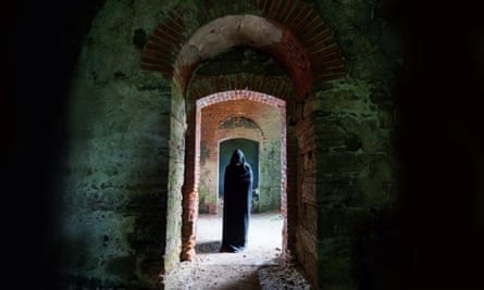 Does a monk haunt the area by St Johns Church, Chester (ghost walk)