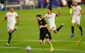 Jesús Navas brings down Kristoffer Olsson.