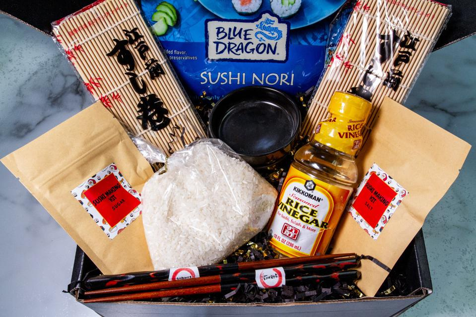 kit for rolling sushi at home