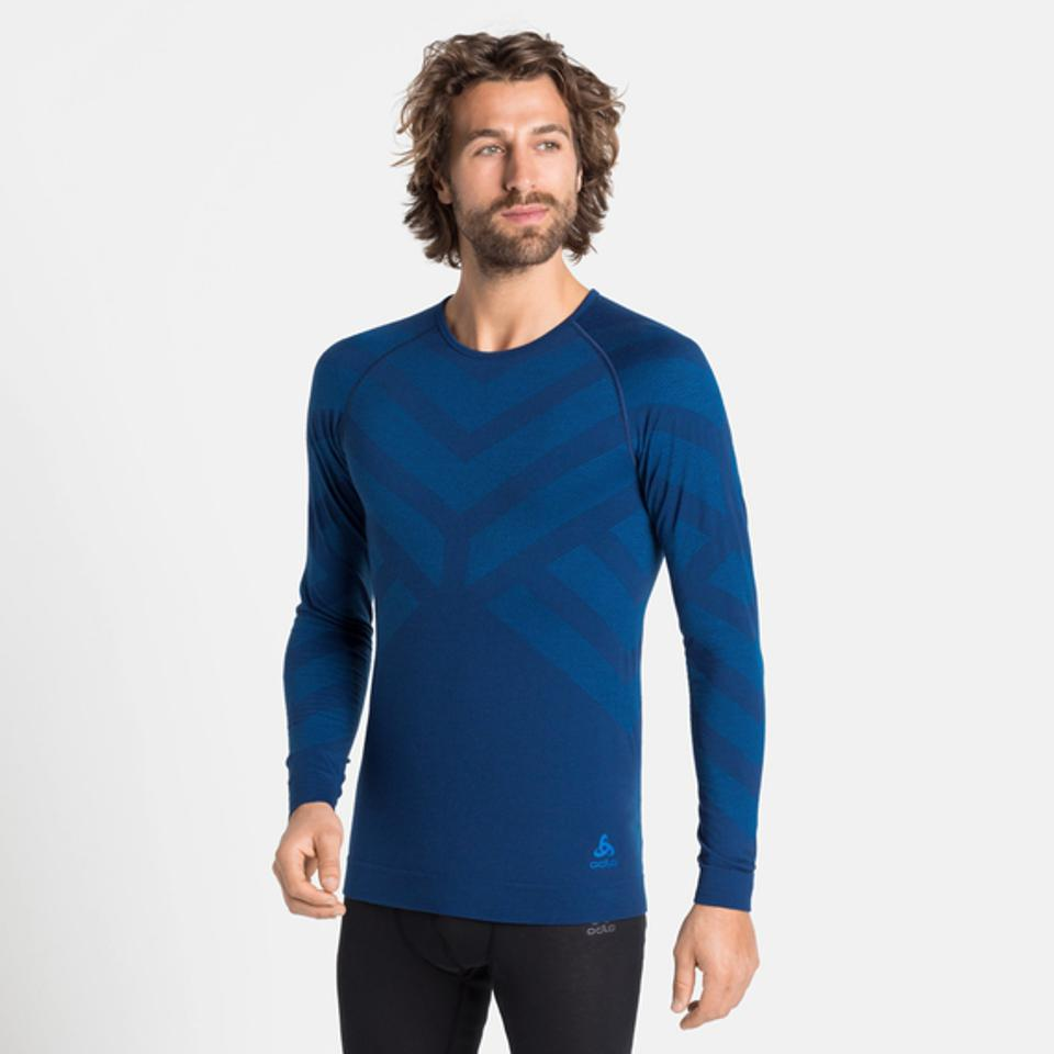Feel the benefits of fall warmth this cold season with the Natural + Kinship Base Layer for men.