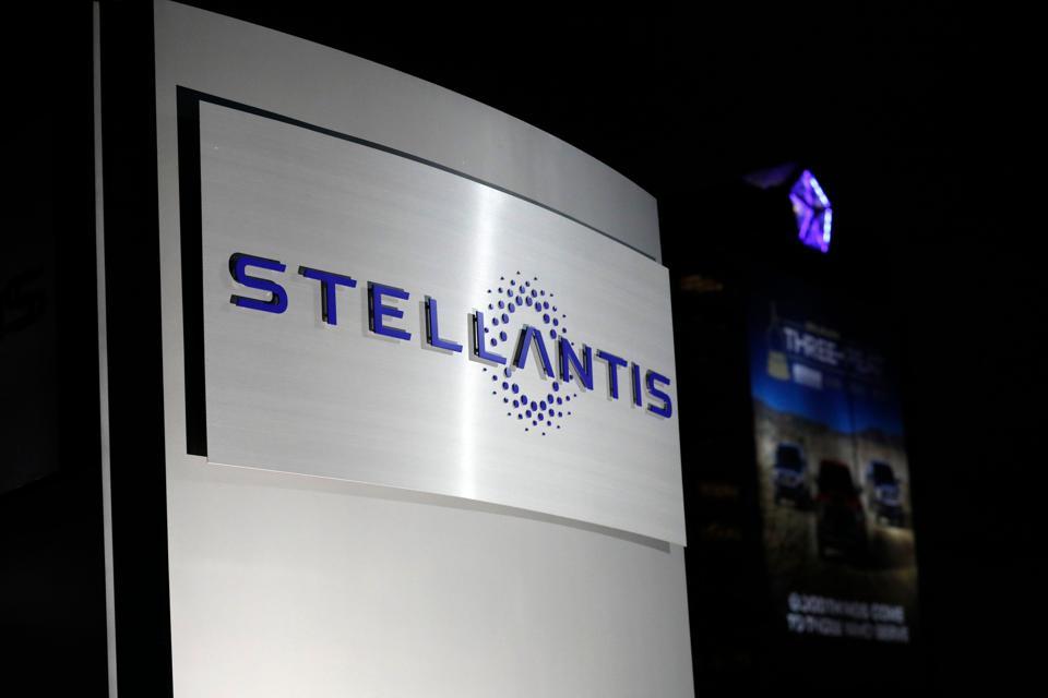 US-FRANCE-ITALY-MERGER-STELLANTIS-AUTO