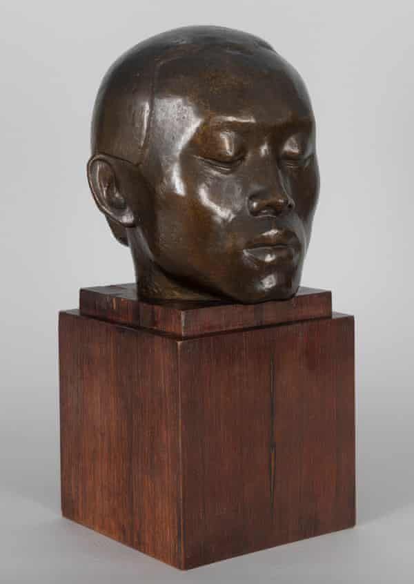 Chinese Head (Chia-Chu Chang: The Chinese Philosopher) by Valsuani and Dora Gordine, 1925-26; ( H46.7x W22.3 x D22cm).