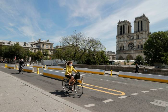 New cycle lanes in central Paris