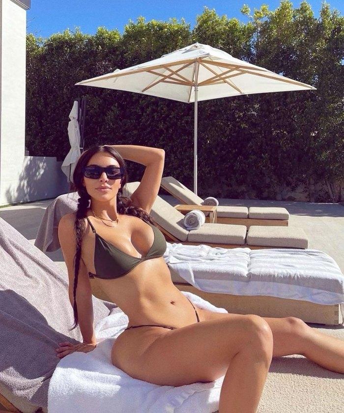 Kim Kardashian's Body Looks Unreal in Low-Rise Bikini: Pic