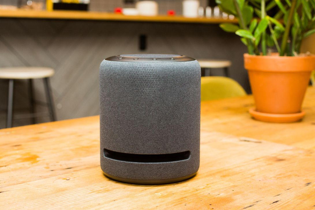 06-amazon-echo-studio