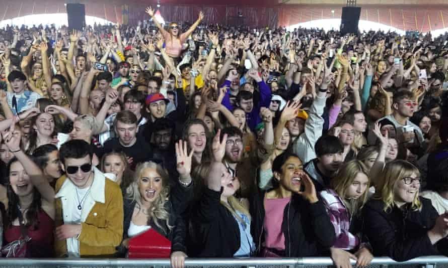 The crowd watches Zuzu perform in Sefton Park
