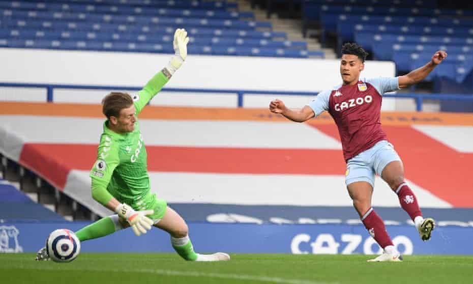 Ollie Watkins scores fo Aston Villa at Everton