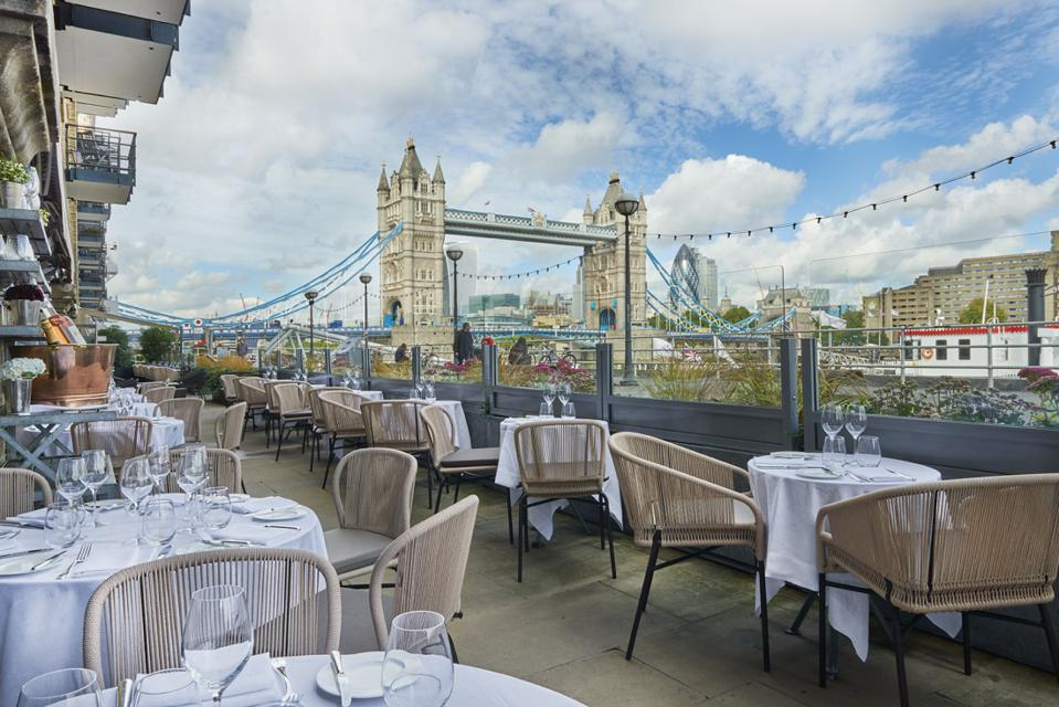 Tower Bridge, tables, chairs