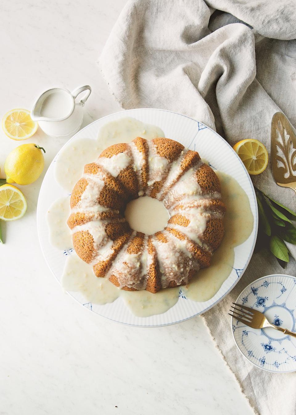 paleo lemon poppy bundt cake