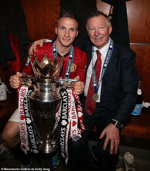 The painting was recreating an image of him with Sir Alex Ferguson with the PremierLeague