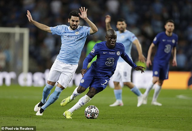 Ilkay Gundogan (left) was left to do the job of two or three players in defensive midfield