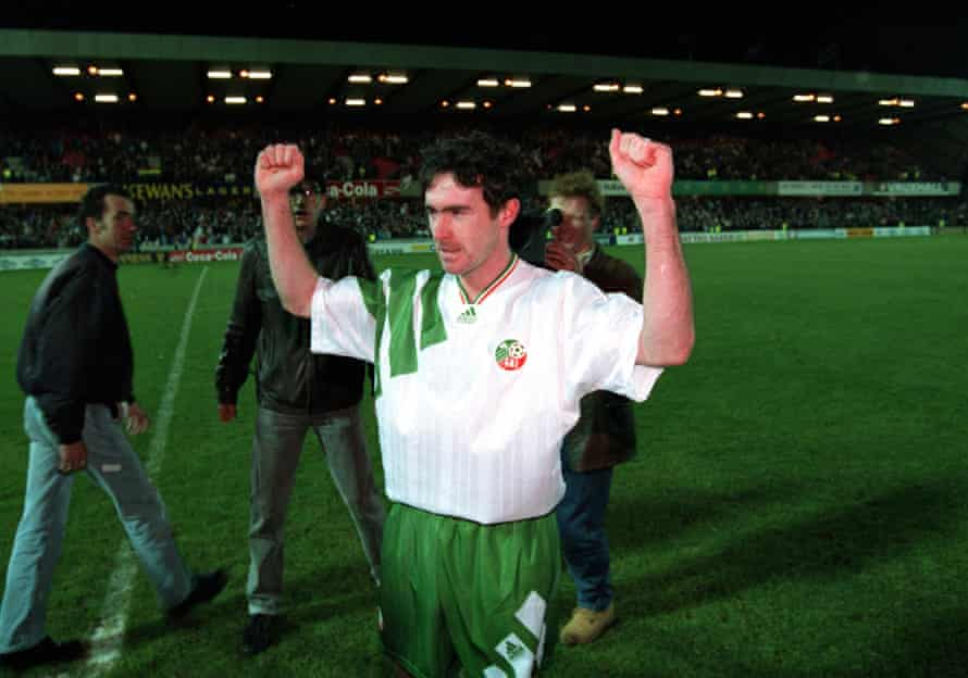 McLoughlin celebrates after the game at Windsor Park in 1993.