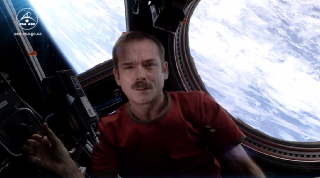 commander-hadfield-ccover.png