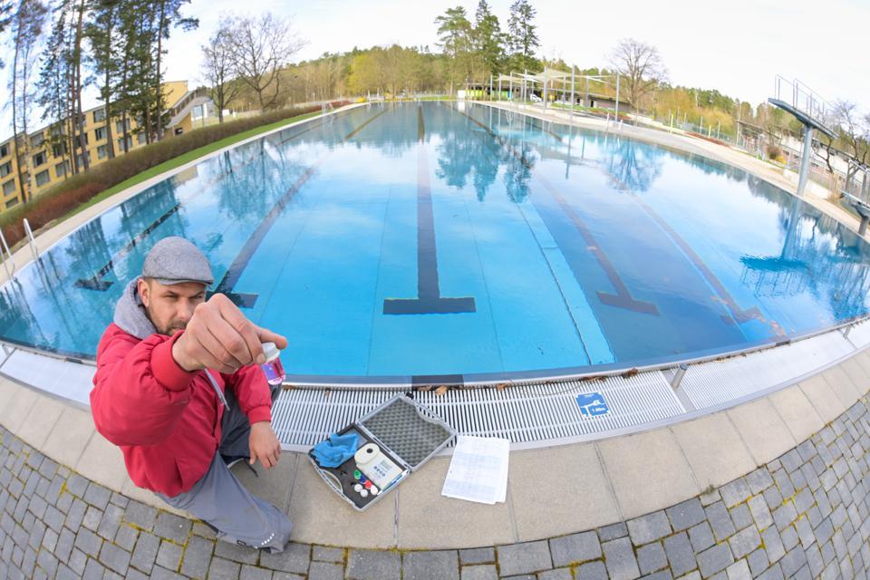 Chlorine shortage swimming pools pandemic