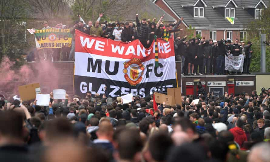 Roy Keane said fans had descended on Old Trafford out of love for the club and dislike of the Glazers.