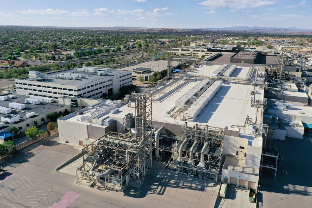 Intel plans to spend $3.5 billion upgrading its chipmaking plant in Rio Rancho, New Mexico.