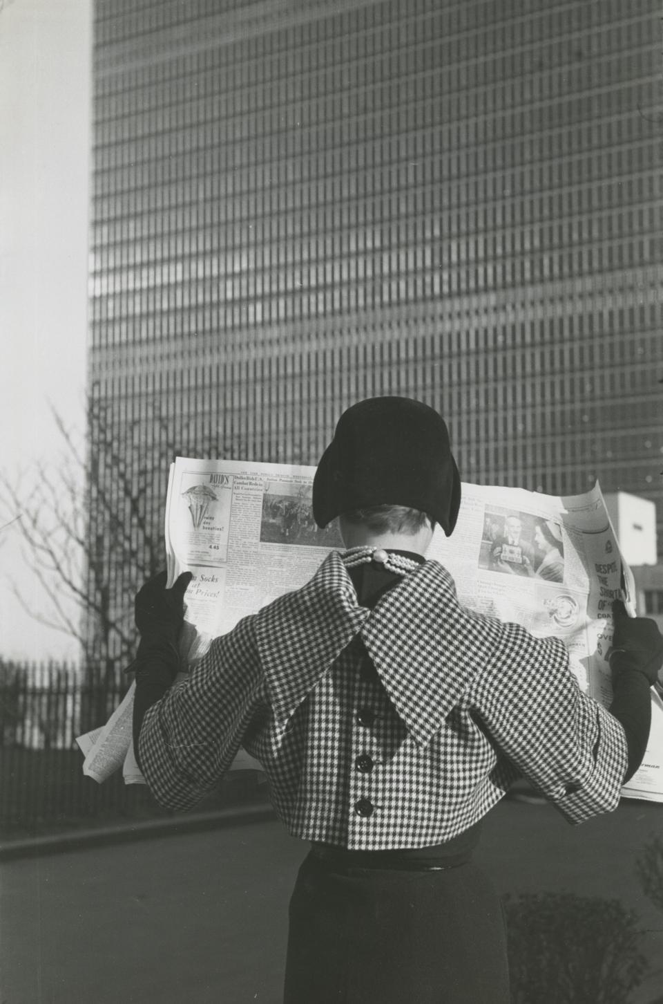 Erwin Blumenfeld. Kathleen Blumenfeld (a test shot), New York, c. 1956. Gelatin silver print. Private collection. © Estate of Erwin Blumenfeld; image provided by Galerie Sophie Scheidecker, Paris