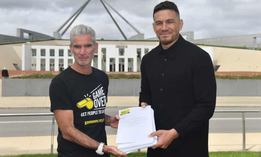 """'It's time to accept it and let people rebuild their lives,"""" says former All Black Sonny Bill Williams. Both he and former Socceroo Craig Foster have called on the Australian government to accept the New Zealand offer."""