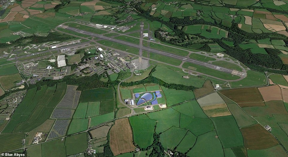 The world's deepest pool will be situated nearCornwall Airport Newquay and a cluster of businesses in theAerohub Business Park