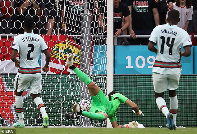At the back there are signs that the powers of goalkeeper Rui Patricio are now waning