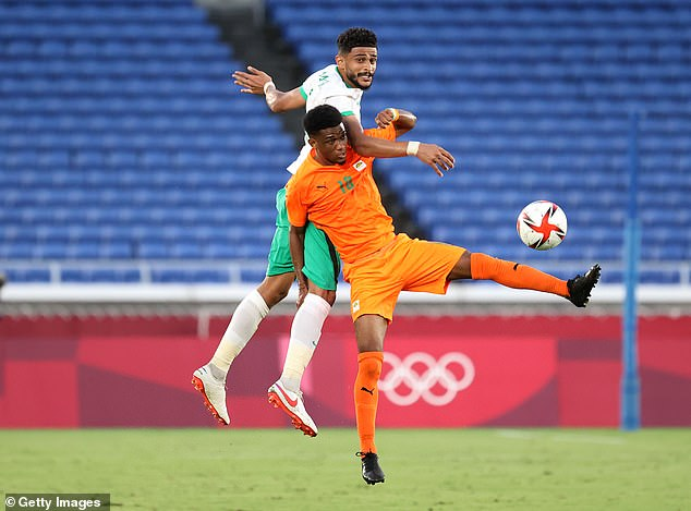 19-year-old Diallo fights for the ball as the Ivory Coast started with three important points