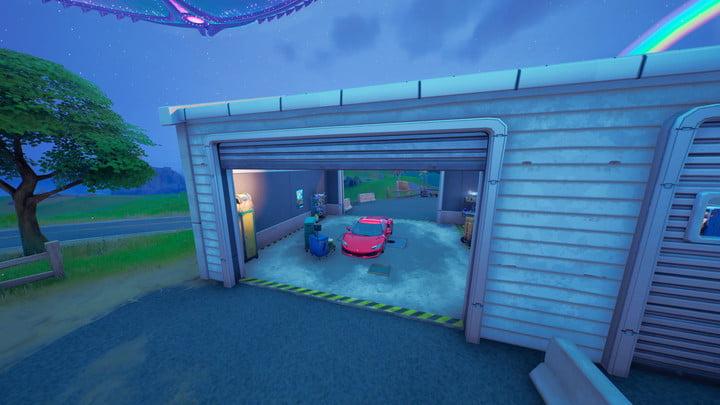 Whiplash in a garage in Fortnite.