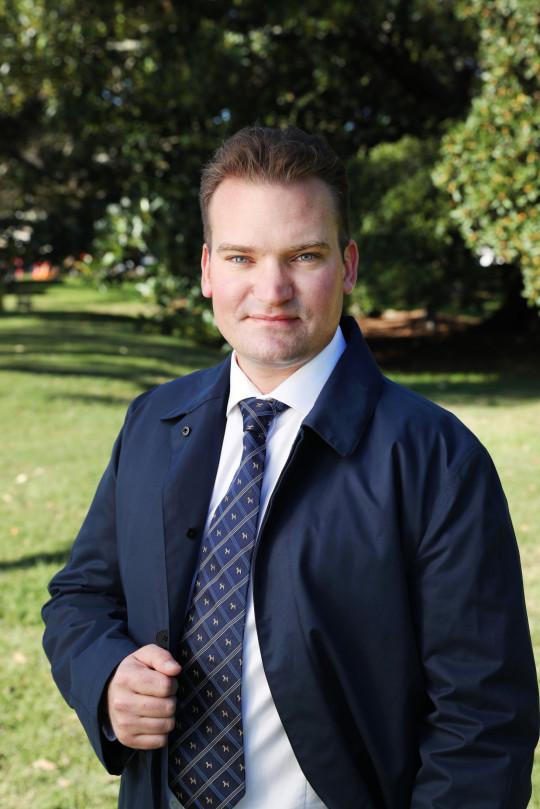 Dr Sam Kovac