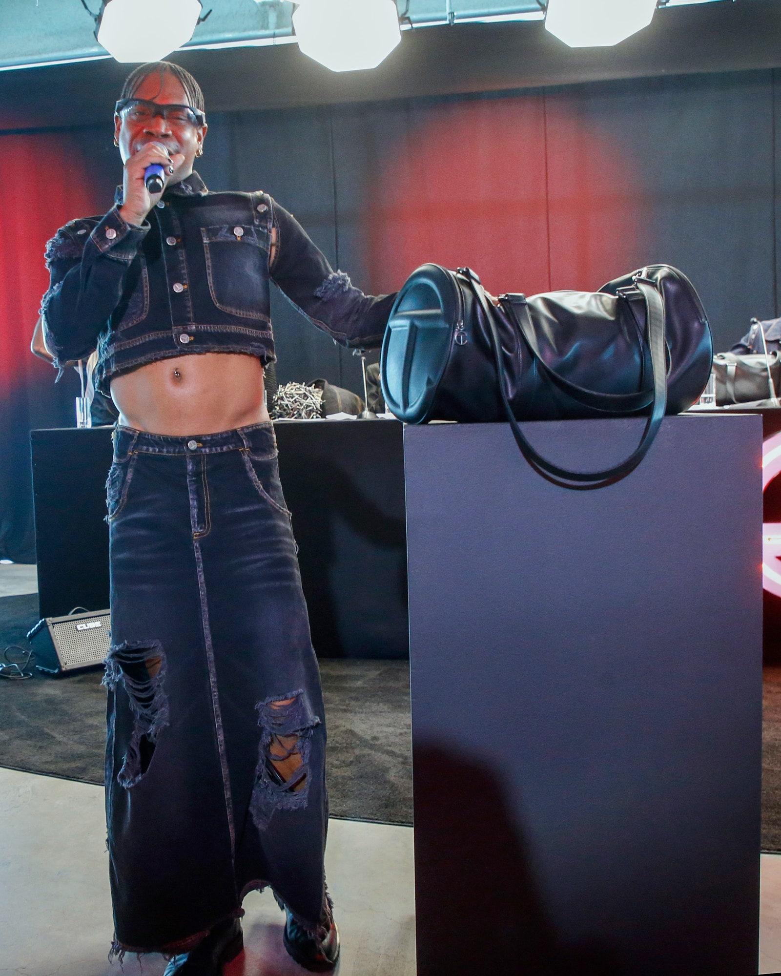 Telfar Brings a Frenetic Press Conference to New York Fashion Week
