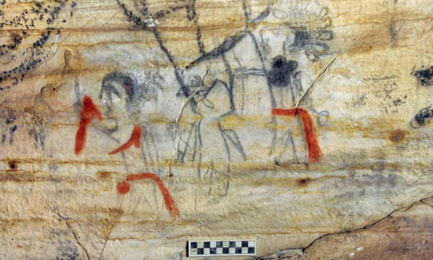 A Missouri cave featuring 1,000-year-old artwork from the Osage Nation was sold at auction for US$2.2m.