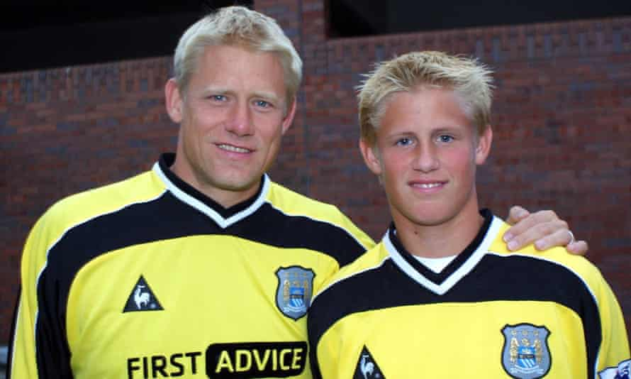 Peter Schmeichel and his son Kasper in September 2002.