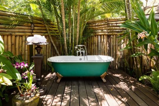 fleming villa bathtub