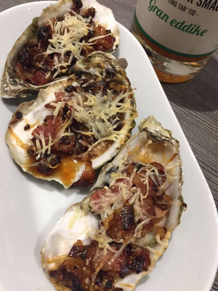 Gratineret østers med gran eddike