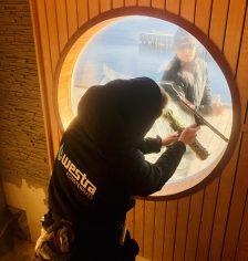 Fönsterputs åt privatpersoner utförs av putsare med lång erfarenhet