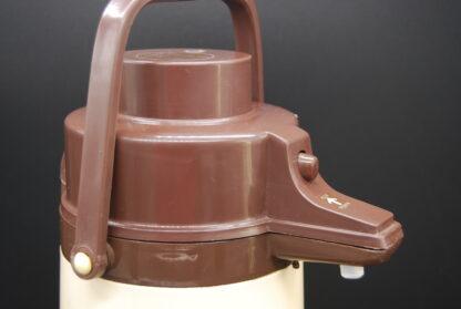 Grote vintage thermoskan met pomp beige-bruin