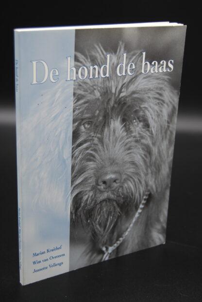 Hondenboek- De hond de baas-9080345431