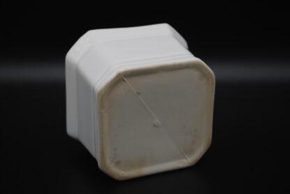 Witte vintage bloempot vierkant