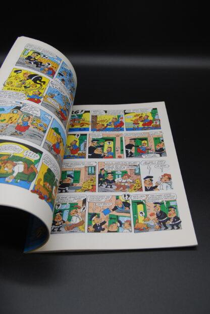 Stripboek Urbanus vintage-De krottenwijkagent-1987 1e druk