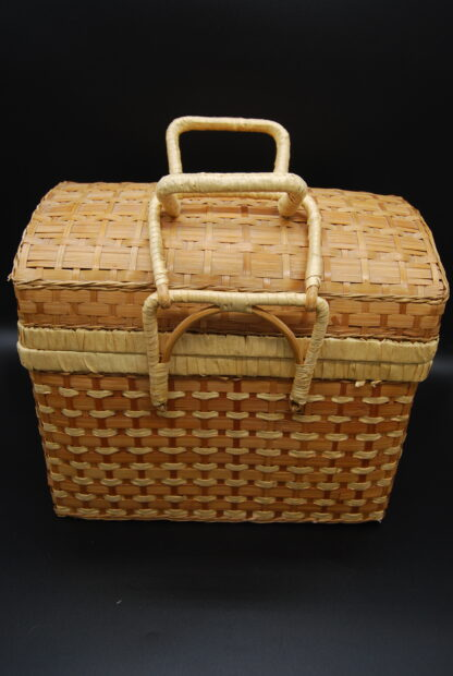 Vintage gevlochten koffertje