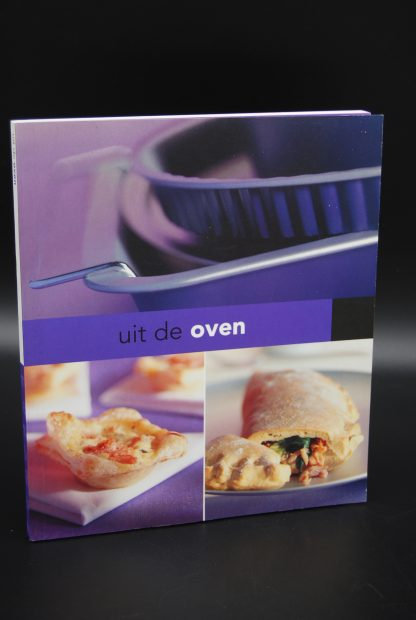 Tweedehands kookboek-Uit de oven