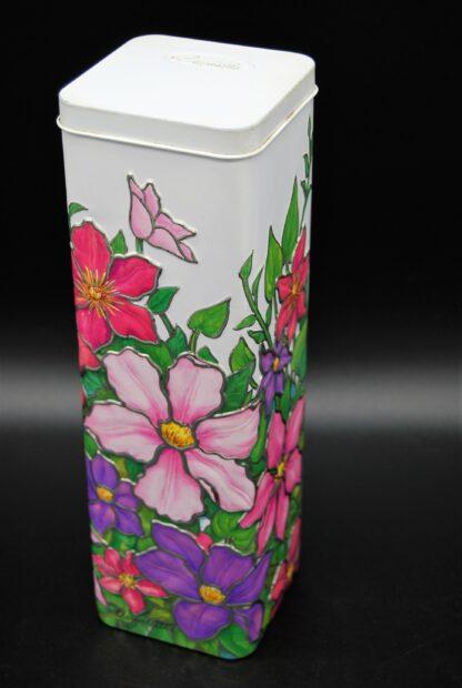 Voorraadblik met roze en paarse bloemen-Churchill's