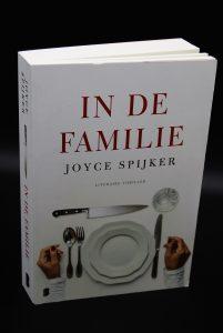 In de Familie-Joyce Spijker-tweedehands boek