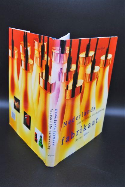 Tweeehands boek-Nederlands Fabrikaat-Reyer kras